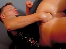 Twisting his arm and fisting his own ass in a hot scene !
