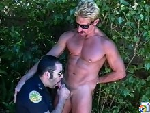 Cop meets and sucks a guy outdoors